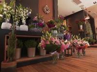 Cât câștigă comercianții de flori la începerea școlii. Unii părinți renunță la tradiție