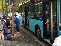 Prima zi de funcţionare a autobuzelor şcolare în Capitală. Câţi elevi au mers cu ele la ore