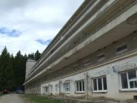 Anchetă la sanatoriul TBC Moroieni, după ce un bărbat s-a aruncat de la etaj: