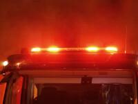 Incendiu puternic pe A2. O autospecială a Biroului de Poliție a luat foc