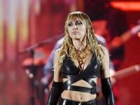 Ce a pățit un fan obsedat de Miley Cyrus, în timpul unui concert din Las Vegas