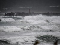 18 pescari dispăruţi şi aproximativ 2.000 de persoane izolate după ce taifunul Conson a lovit Filipine