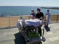 VIDEO. Un pacient cu Covid-19 a fost dus să vadă marea, după 2 luni la terapie intensivă