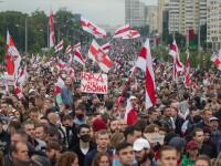 Peste 100.000 de oameni au protestat împotriva lui Lukașenko. 633 au fost arestați