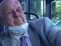 """Incident rasist într-un autobuz. Un pensionar, snopit în bătaie după ce a jignit doi bărbați. """"Ești o maimuță"""""""