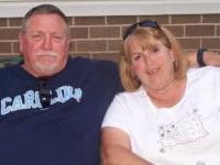 Povestea emoționantă a doi soți infectați cu coronavirus. Au murit ținându-se de mână