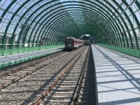 Primul tren de test a ajuns la Aeroportul Otopeni. Nu a fost al CFR Călători