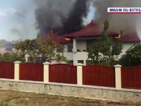 Incendiu puternic la o gospodărie din Botoșani. Ce se afla în magaziile de lângă casă
