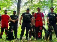 Cum sunt antrenați câinii-ofițeri care salvează vieți omenești din catastrofe