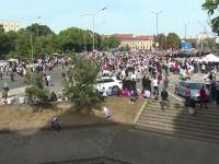 Mii de oameni s-au îmbulzit să-l vadă pe patriahul Daniel la sfinţirea Catedralei din Oradea
