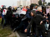 Mii de oameni au protestat în Belarus. Poliția a folosit tunuri de apă la Minsk