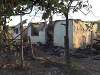 Patru copii au ajuns în grija statului, după ce tatăl lor a dat foc la două case. Motivul cumplitei tragedii