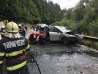 Accident grav pe DN 15, cu 13 victime. O maşină şi un microbuz s-au ciocnit