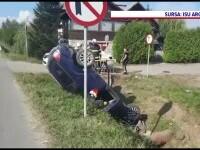 Accident grav în Mihăești. O mașină a ieșit de pe șosea, a izbit un cap de pod și s-a răsturnat în șanț
