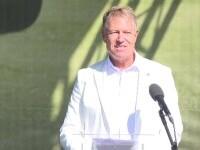 Reacția amuzantă a Ambasadei Suediei după ce Iohannis a îndemnat românii să joace golf