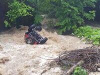 """""""Ne ia apa, râul e cât capota!"""" Filmările cutremurătoare din ziua în care a murit pilotul Adi Cernea"""