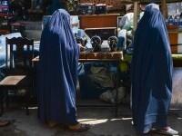 Talibanii au întrerupt în forţă o manifestaţie pentru dreptul la educaţie al femeilor