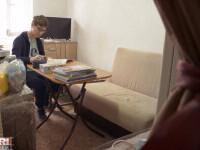 """""""Visuri la Cheie"""". Cosmin și mama lui au trăit într-o garsonieră de 12 mp, în Ferentari. Cum arată noul lor apartament"""