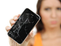 O femeie și-a ucis iubitul după ce l-a lovit cu telefonul în cap de mai multe ori