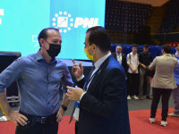 """Orban râde de Cîțu, după ce i s-au cerut explicații pentru declarația cu Iohannis: """"De când îmi cere mie lămuriri Florin?"""""""