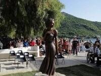 """Scandal în Italia din cauza statuii unei femei îmbrăcate sumar. Politicienii cer demolarea acesteia: """"Este o ofensă"""""""
