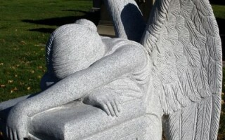 statuie cimitir