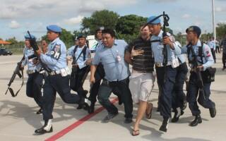 Matt Christophers Lockley, in momentul in care a fost arestat de politia din Bali