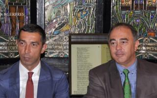 Presedintele CJ Mures, Ciprian Dobre (stg.), si primarul municipiului Targu Mures, Dorin Florea (dr.)