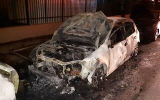 mașini incendiate - 1