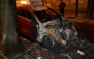 mașini incendiate - 4