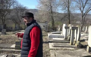 Cimitirul evreiesc din Husi, vandalizat - 3