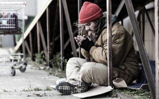 """Un bărbat fără adăpost a primit o porție de cartofi, dar """"totul s-ar fi putut termina tragic"""""""
