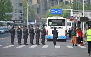 Toată China a păstrat 3 minute de reculegere în memoria victimelor COVID-19 -1-