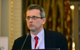"""Valentin Lazea, despre criza din România: """"Și-a epuizat toată muniţia pe care ar fi putut s-o utilizeze în condiţii de criză"""""""