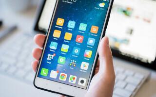 Telefoanele Android transmit la Google date despre utilizator la fiecare 4 minute și jumătate