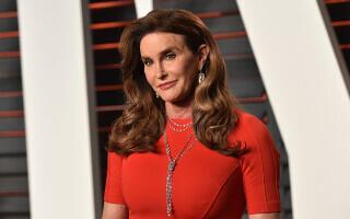 Vedeta transsexuală Caitlyn Jenner candidează la postul de guvernator al Californiei