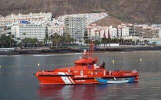 O ambarcațiune cu 24 de cadavre la bord a ajuns în Canare