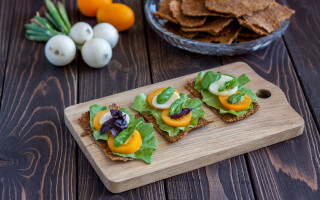 raw vegan - Shutterstock