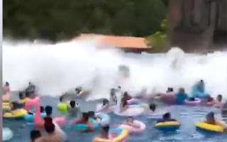 Tsunami de 3 metri într-un parc acvatic din China. 44 de răniți