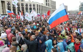 Zeci de mii de oameni, pe străzile din Moscova. Oamenii cer democrație și alegeri libere - 2