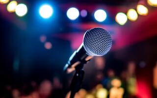 Sesiune de karaoke terminată la spital. Pățania unui chinez care a cântat note prea înalte