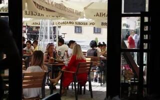 Restaurantele din pensiuni și hoteluri se redeschid de la 1 septembrie. Ce se întâmplă cu celelalte localuri