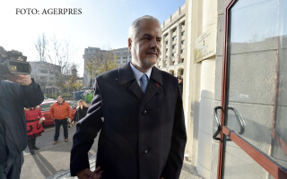 Fostul premier Adrian Nastase s-a prezentat la sediul Parchetului General pentru a fi audiat de procurorii militari, in calitate de martor, in dosarul Mineriadei din iunie 1990.