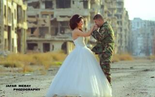 Cautand femei de nunta siriene)
