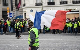 PROTESTE VESTE GALBENE PARIS - 29