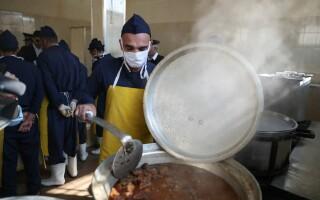 Ce meniu de Crăciun au deținuții din România. Anunțul ANP