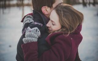 (P) Cum să faci o femeie pe care o cunoști să se îndrăgostească de tine de la prima întâlnire?