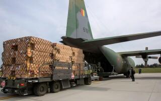 Hercules C-130, avion, ajutoare