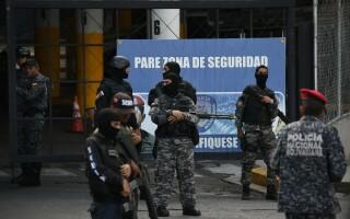 Închisoarea în care deținuții au mitraliere, zoo și festivaluri, cocaina se vinde pe tarabe și gardienii nu au curaj să intre