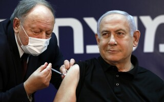Netanyahu, primul cetăţean israelian vaccinat anti-COVID.